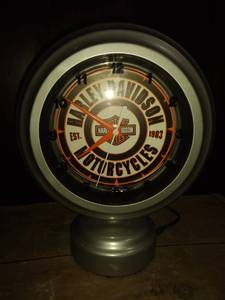 genuine Harley-Davidson oil can neon clock works lights up orange