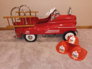 Vintage Murray Fire Chief Pedal Car Restored with 3 Children's Plastic Fire Chief Hats