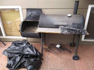 Braunfels Smoker Grill with New Grate Inserts Utensils and Cover