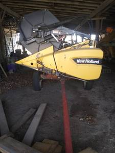 New Holland combine header with trailer New Holland 74C HEADER