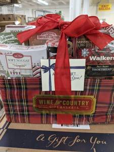 Wine and Country gift basket