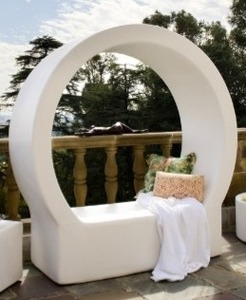 Pod Vertical Daybed In White Retail $1500.00