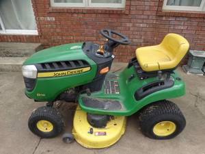 John Deer D110 riding mower