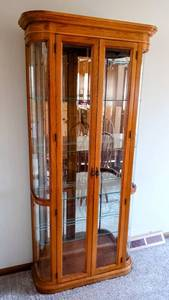 "Pulaski Furniture (No. 0011658) Curved Glass Sides, Beveled Glass Front & 4 Glass Shelves - Oak Curio Cabinet w/2 Doors & Light - 6'4"" H x 3' W x 13"" D"