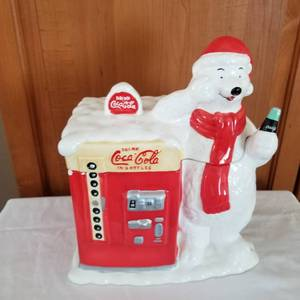 Coca Cola cookie jar 10 x 9