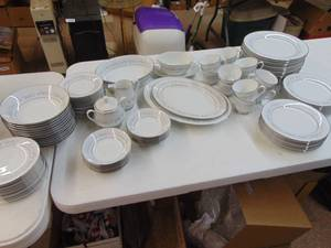 Noritake China - Marywood Pattern - 12 Piece Setting -