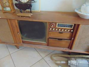 Mid Century TV Cabinet with Stereo