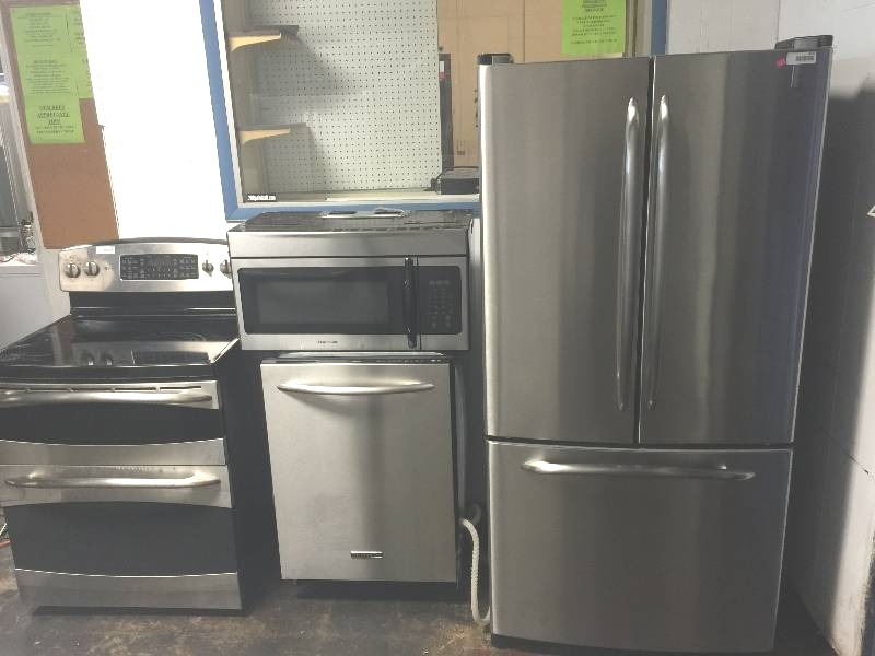 Stainless Steel 4 Piece Kitchen Appliance Suite South Kc
