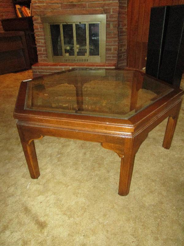 Heavy glass coffee table briarcliff estate liquidation for Heavy glass coffee tables