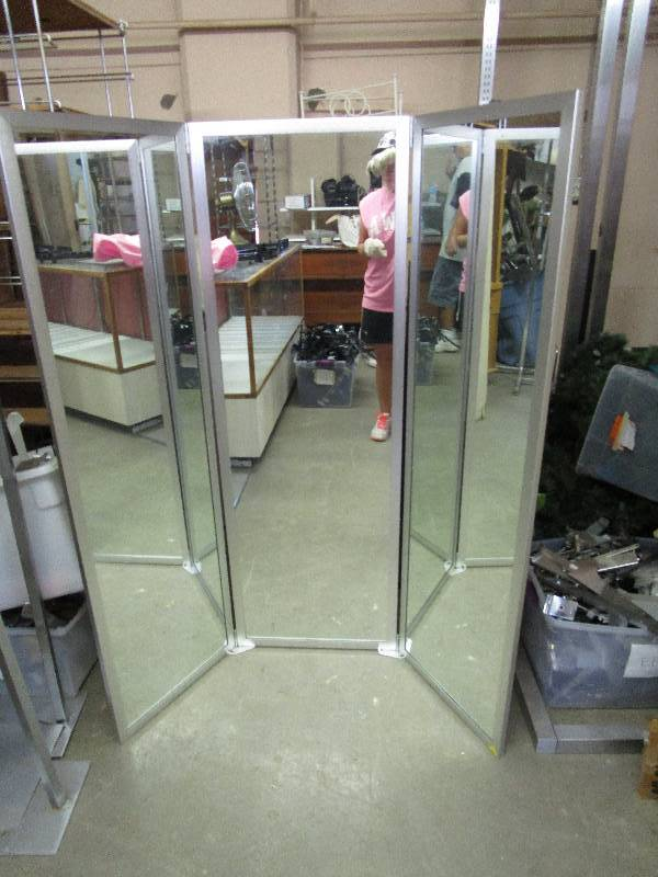 Retail Dressing Room Portable Three Sided Mirror Almost