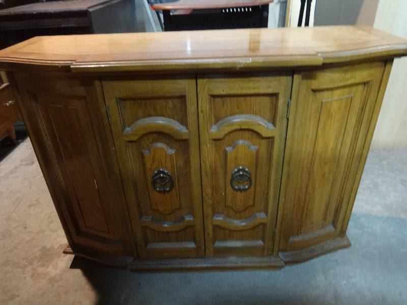CABINET FOR FOYER OR BEHIND COUCH JORDANS AND QUALITY