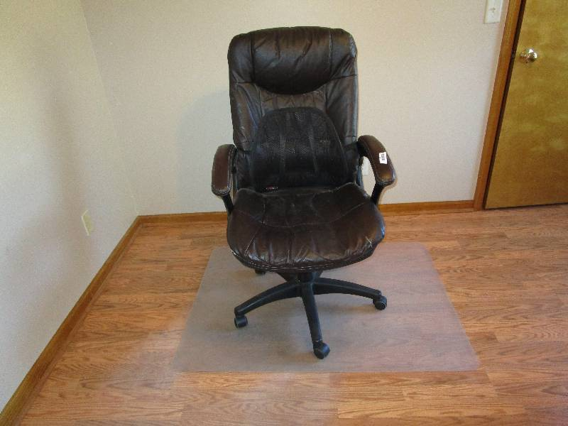 Office Chair With Plastic Floor Mat Lawrence Estate Liquidation By Fleetsal