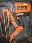 ITW Buildex Gridmaster gun with case