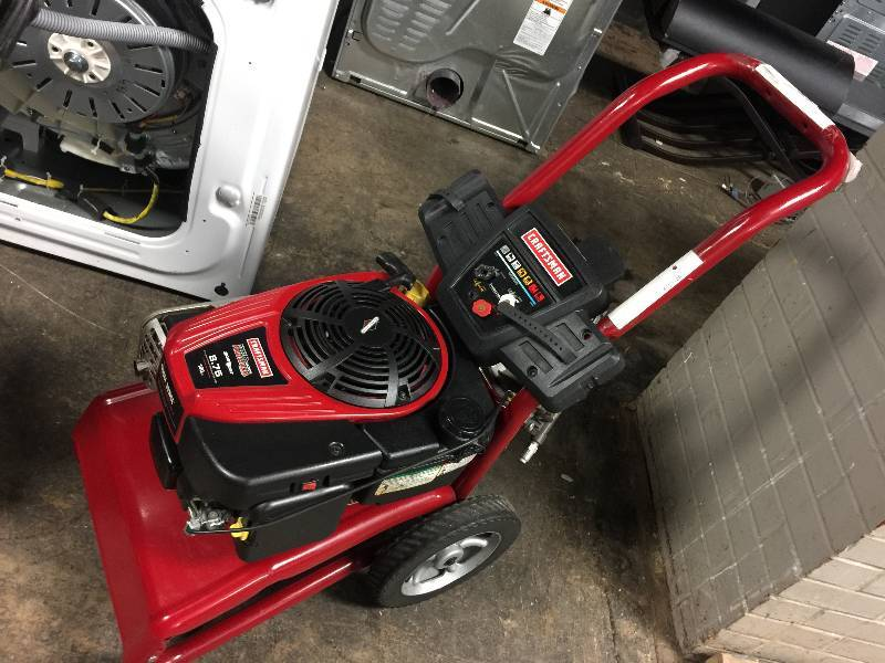 Craftsman Pressure Washer 2700 Psi 2 3 Gpm Briggs