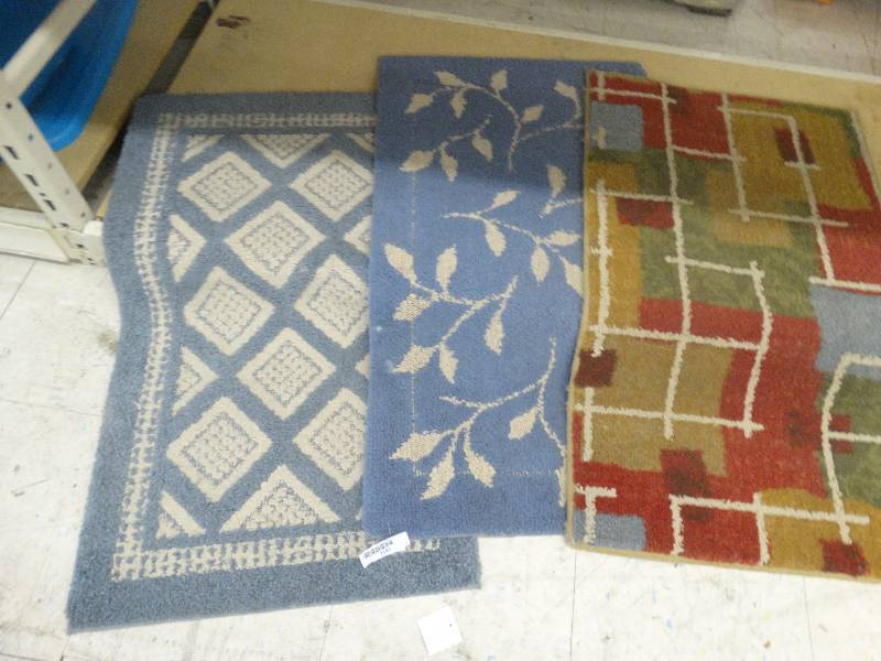 3 Bath Rugs North Wichita Estate Furniture And Home