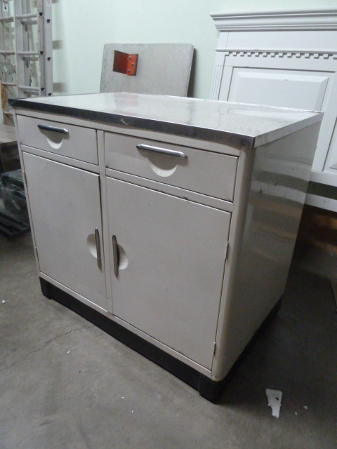 Industrial kitchen island type unit on wheels furniture for Kitchen units on wheels