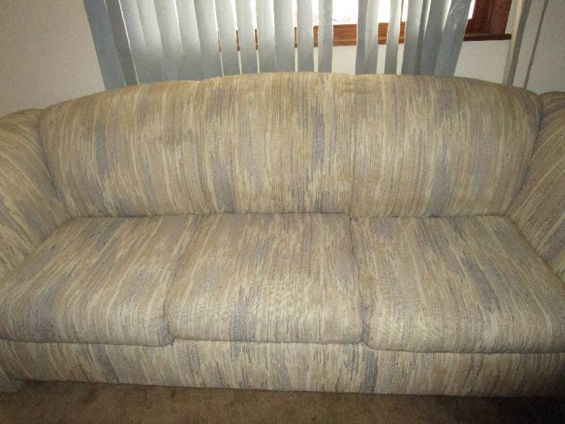 Hideabed Couch And Loveseat Combo East Kc Estate Liquidation By Fleetsale Equip Bid