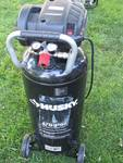 20 Gallon Upright Air Compressor - HUSKY - 1750 PSI - LIKE NEW! - Runs Great!
