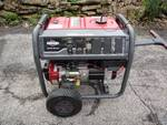 Briggs & Stratton 8,000-Watt Gasoline Powered Key Only Used 1.3hrs Electric Start Portable Generator with 2100 Series OHV Engine
