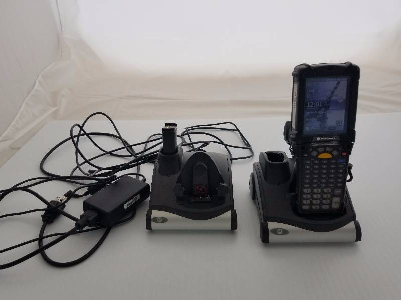 Motorola MC92N0 Scan gun with 2 charging bases | RUSH