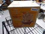 Westbend 4qt. Buttermatic Automatic Corn Popper in box