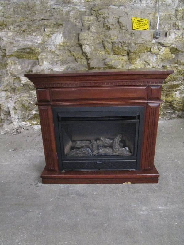 Comfort Glow Gas Fireplace | ♢Clay County High End Estate Auction ...