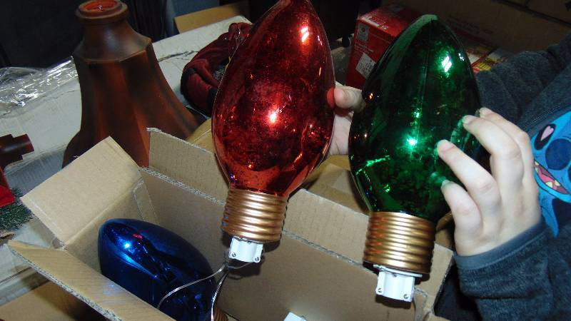 3 giant christmas lights wichita auction ict warehouse new christmas inventory auction equip bid