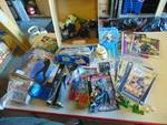 Large lot of Star Wars toys, books, comic books, and more! Over 30 pieces!