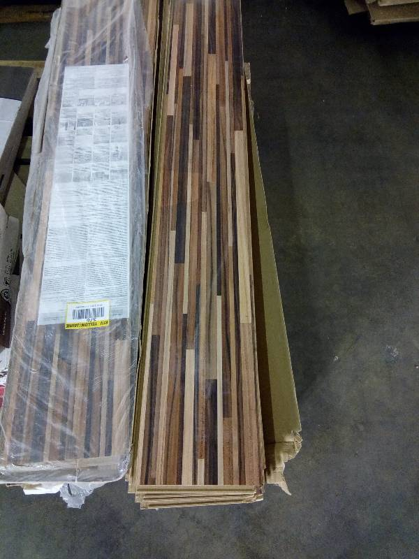 Laminate Wood Flooring: Home Decorators Collection .