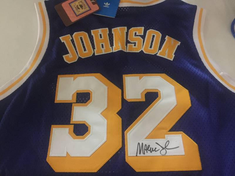 Los Angeles Lakers Magic Johnson Size Large Extra-Extra Tall
