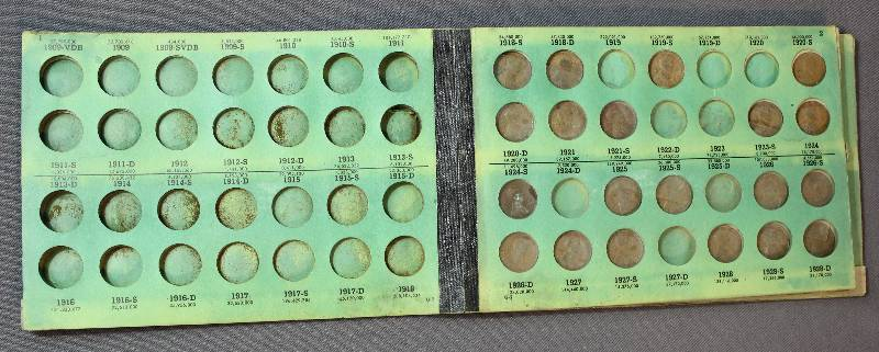 Lincoln Cents, Penny Coin Book 1909VDB - 1948S  39 Coins Inside