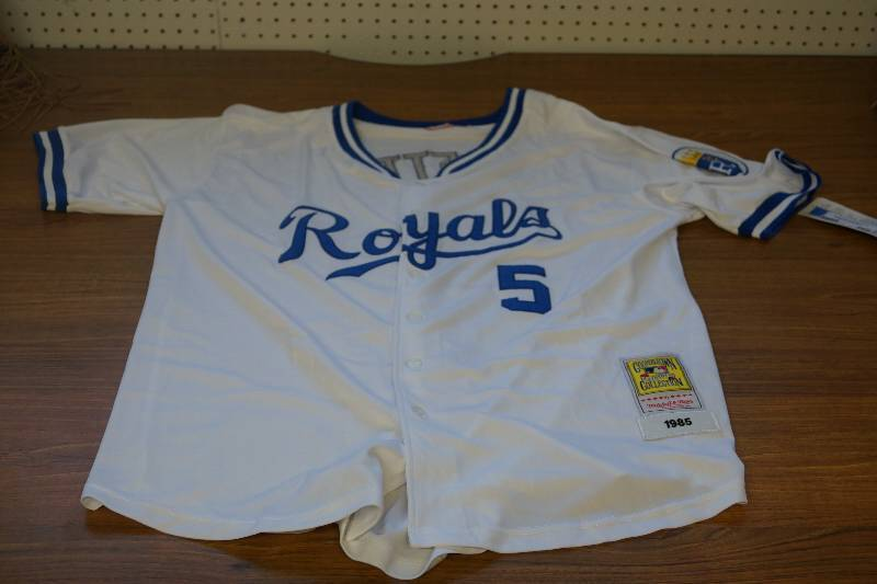 promo code 628a5 8ec22 Size 52- Kansas City Royals Sewn and Stitched 1985 Throwback ...