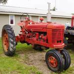 International Harvester Model H Tractor - WE CAN HELP LOAD!