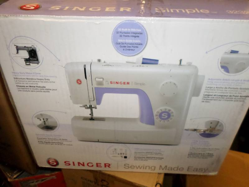 Singer Simple 40 Portable Sewing Machine With 40 BuiltIn Stunning Missing Stitches Sewing Machine