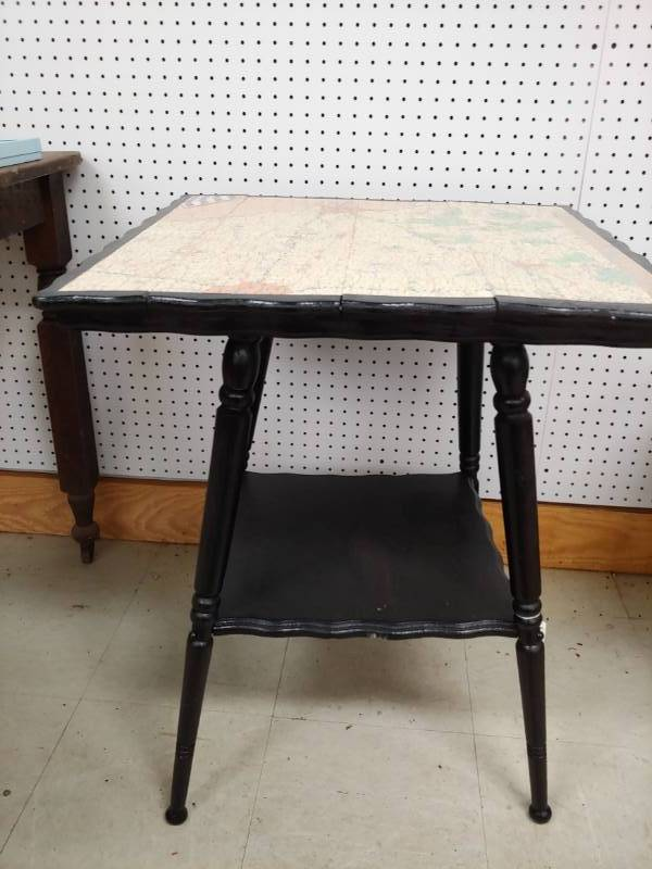 Cool Map Table | Excelsior Trade Fair Mall Liquidation Auction Round #3 |  Equip Bid