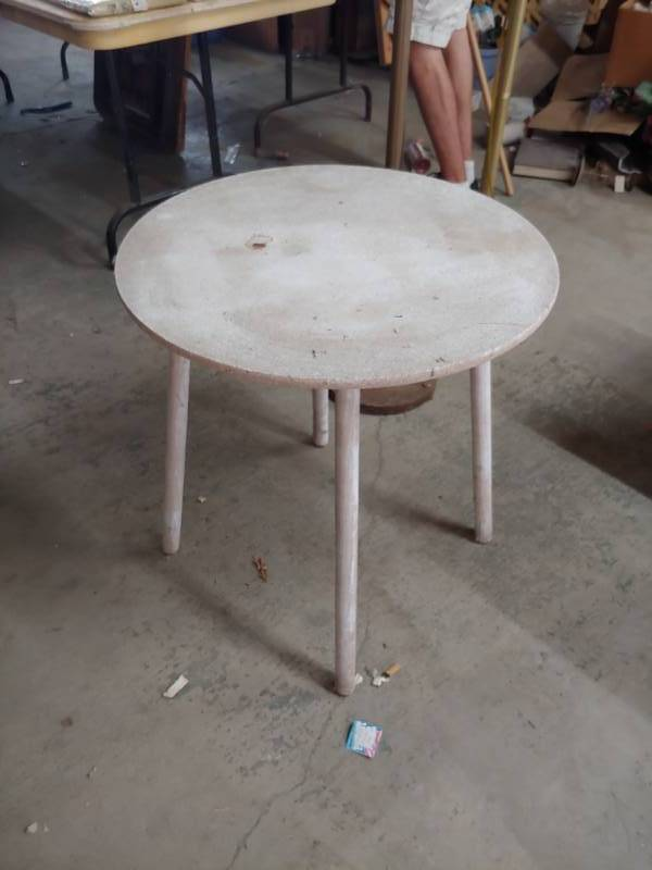 Small Wood Table | Excelsior Trade Fair Mall Liquidation Auction Round #7 |  Equip Bid