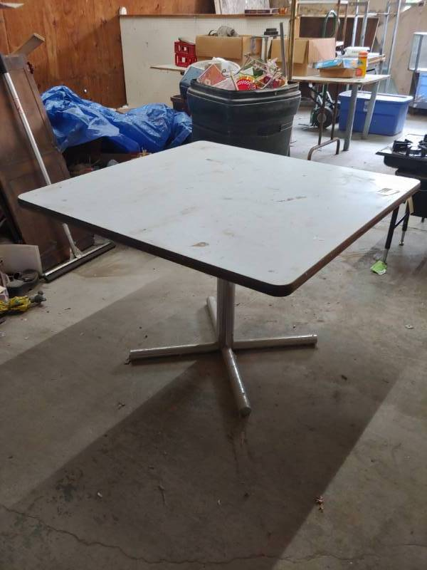 Amazing Commercial Dining Table | Excelsior Trade Fair Mall Liquidation Auction  Round #7 | Equip Bid