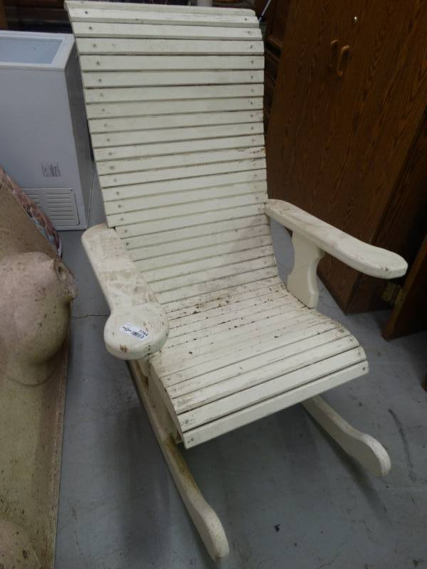 Heavy Duty Wood Rocking Chair South Wichita Warehouse Auction