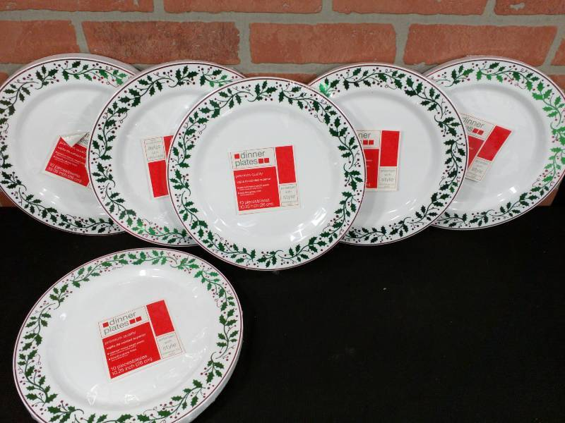 Christmas Platter Plates.Plastic Christmas Dinner Party Serving Plates