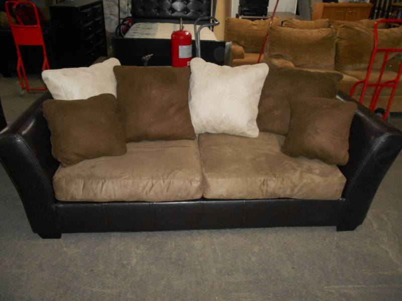 Leather / Suede Couch/Sofa | Subsurface 190 Auctions by ...