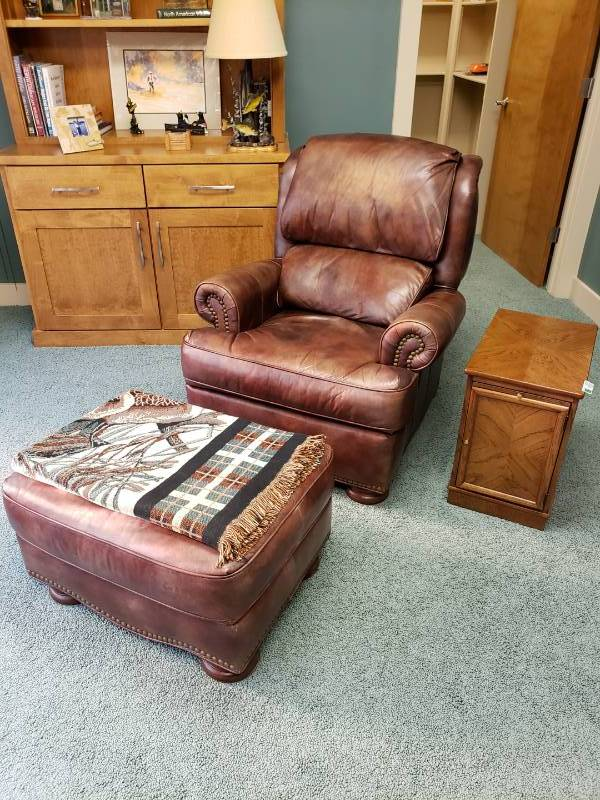 Awe Inspiring Leather Chair And Ottoman By Bradington Young Lake Estate Pdpeps Interior Chair Design Pdpepsorg