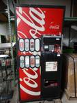 Royal Vendors 8 select Coca cola pop machine w/ bill acceptor