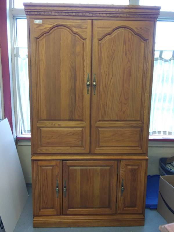 Solid Oak Media Cabinet Hooker Estate Sales By Bonnie And