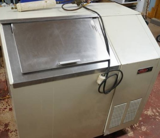 Ross Temp Commercial Ice Machine - FLAKE ICE - See Video!