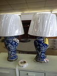 Beautiful new pair of table lamps w/ shades