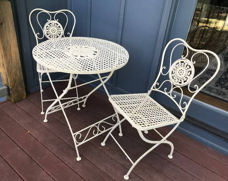 3 piece antique white folding metal bistro set (table with two chairs)