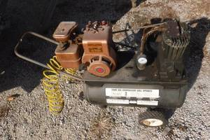 Vintage Sears Air Compressor With 3HP Briggs and Stratton Engine