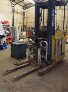 Yale Forklift - Battery Operated with Charger - Will need new batteries - Turns on, beeps and operation light flashes. Batteries would not charge. With key, manual and charger.