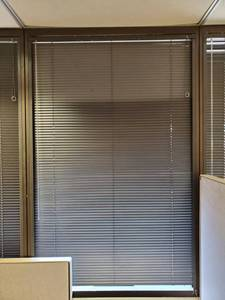 "Levolor Riviera Top-Loc 48""x72"" Black Mini-Blinds w/Rail"