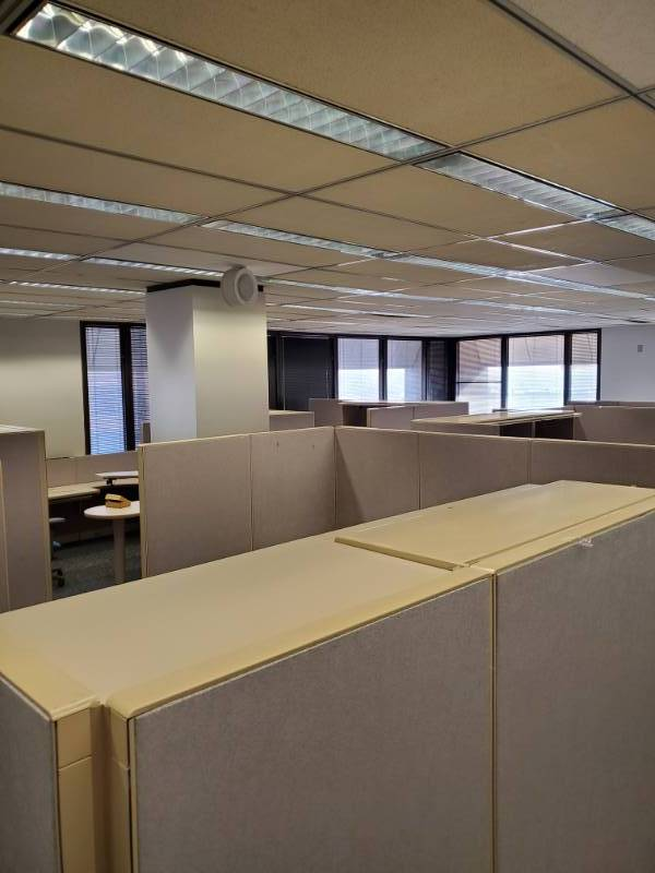 |||||Build an Office|||||Steelcase Cubicles, Metal Bookshelves, Lateral Cabinets, Walls, Clocks, Carpet Tile, Mini Blinds, Partitions, Filing Cabinets, Drop Lighting, Ceiling Tiles|||||See Video Walk-through|||||Take as much as you want!!!!